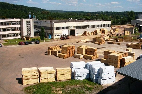 Reactive power compensation and grid analysis of a wood processing plant