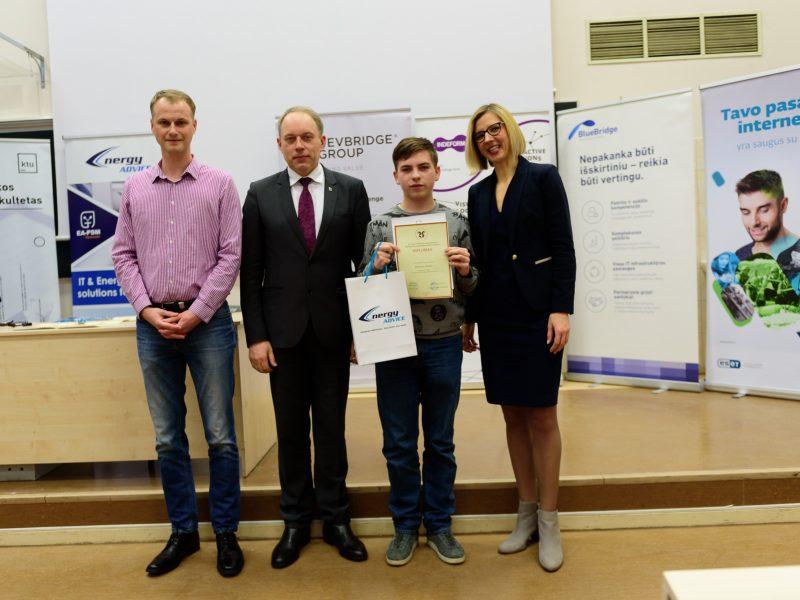 Energy Advice jau 4 metai iš eilės apdovanoja dr. J. P. Kazicko moksleivių programavimo konkurso nugalėtojus