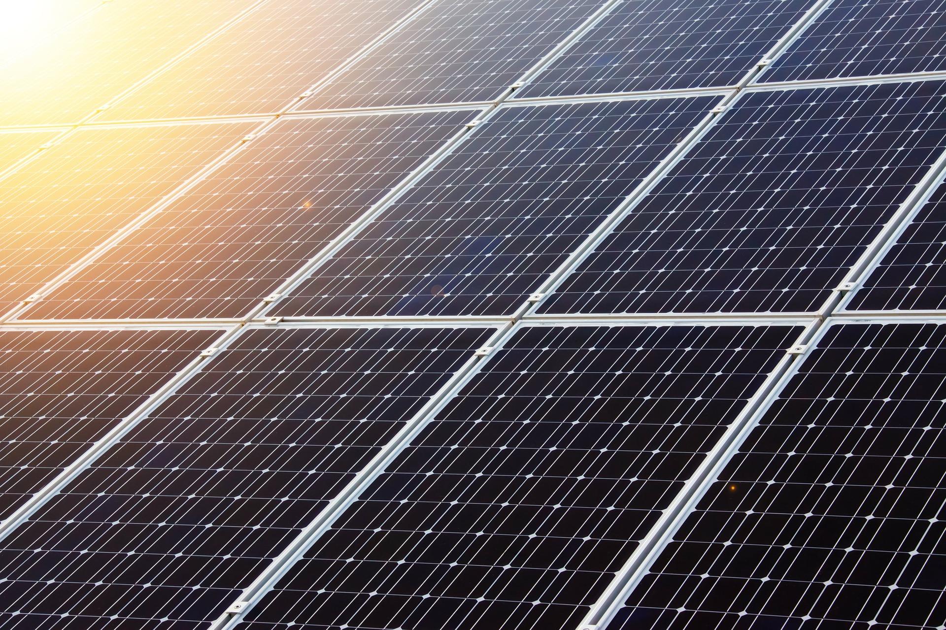 Saulės elektrinių prijungimo ir eksploatavimo iššūkiai (grupė pilna)